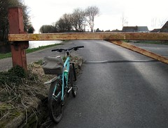 Rochdale Canal, Smithy Bridge (com1ck) Tags: canal gt avalanche rigid