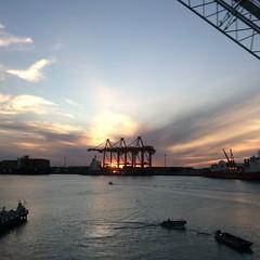 Sunset over Fremantle harbour (Figgles1) Tags: sunset sky cloud weather clouds port harbor harbour crane cranes fremantle iphone img0867 portainer