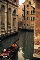 Scorcio Veneziano (Emme Erre) Tags: venice 50mm nikon mare edificio romano d750 marco gondola laguna tamron venezia 70200 rialto canale scorcio palazzi emmeerre