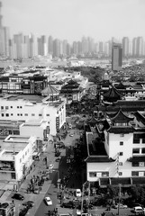 leftTheOtherPart (niK10d) Tags: skyline shanghai linear nd09 pentaxk10d luciodalla 31mmf18limited