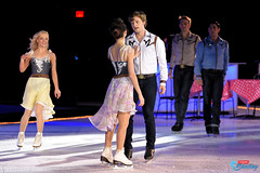 Meryl Davis & Charlie White (with skating cast)