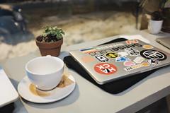DSCF1974_proc (David Van Chu) Tags: apple cup coffee shop portland cafe fuji laptop air maine pro fujifilm bard macbook fujix x100t fujifilmx100t fujix100t
