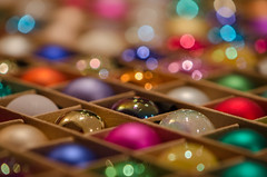 Tiny baubles (Spannarama) Tags: macro closeup shiny pretty bokeh box christmasdecorations baubles christmastreedecorations christmastreebaubles