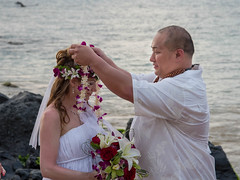 Placing the lai.jpg (sophie.frederickson@att.net) Tags: wedding usa hawaii events places hi states wailea