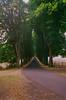 Allée du château de Cordès, près d'Orcival (Graphisme, Photo, et autres !) Tags: france castle church nature voigtlander medieval château eglise auvergne colorskopar ultron orcival 40mmf14 pontgibaud voigtlanderr3m