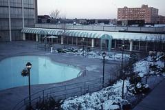 Holiday Inn, Kansas City (elektrowuerstel) Tags: kansascity holidayinn swimingpool