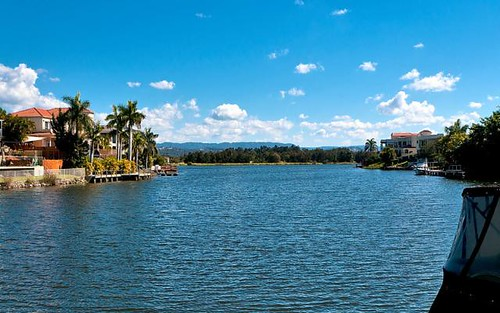 11 Bollard Circuit, Clear Island Waters QLD 4226