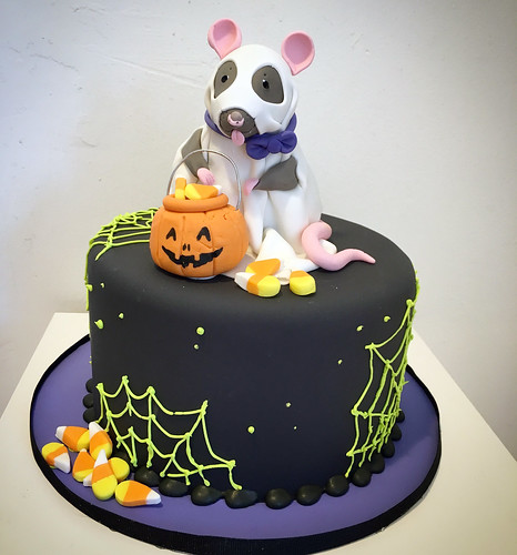 Halloween Ghost Rat Cake