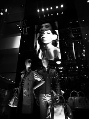 _2112018 (kerokero8) Tags: street japan tokyo blackwhite shibuya   windowdisplay grdigital ricoh  grdigital4