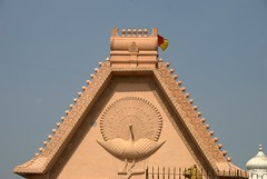 Peacock motif on a building (VinayakH) Tags: india religious temple delhi hindu hinduism chattarpur katyayani