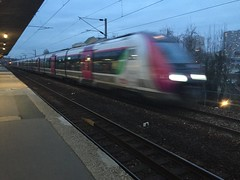 Station gare du stade  Colombes - ligne J (stefff13) Tags: station train gare rail stade colombes