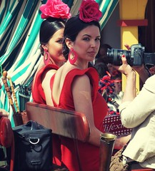 Sevillanas (jantoniojess) Tags: espaa sevilla andaluca spain seville sevillanas flamenca feriadesevilla feriadeabril peineta volantes cochedecaballos trajedeflamenca mujerbella casetaferia sevillianwoman sevilliangirl feriadesevilla2016