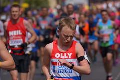 LONDON MARATHON 24.04.2016 - DSC05486 (JULIAN MASON) Tags: isleofdogs westferryroad londonmarathon virginmoney julianmason marathon 2016 london run running race charity docklands virgin 2016londonmarathon londonmarathon2016 240416 24042016 phototakenbyjulianmason photobyjulianmason