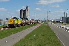 RRF 18 + Bertschi-trein (Durk Houtsma.) Tags: v100 nederland nl bertschi zuidholland botlek rrf havenspoorlijn rrf18 railfeeding botlekrotterdam