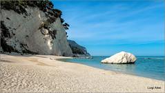Numana - Riviera del Conero (Luigi Alesi) Tags: sea italy beach nature landscape scenery italia raw mare natura fujifilm monte conero numana spiaggia marche paesaggio ancona xm1