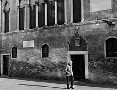 walking alone (Piero Zanchetta) Tags: venezia solitudine camminare pensare