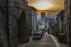 S. Francesco (FinchFabio) Tags: travel sunset sun church italia tramonto village pentax zoom medieval chiesa assisi umbria goldenhour k3 pentaxkx chiese viaggiare pentaxiani pentaxk3