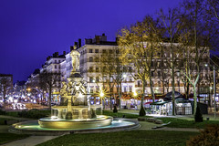 Place du Marchal-Lyautey by night (Caro & Co) Tags: longexposure blue light green architecture contrast landscape amazing cityscape outdoor cloudporn picoftheday ndfilter landscapephotography waitingforthelight