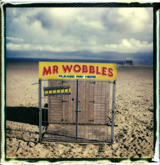 Mr Wobbles - Great Yarmouth 2016 (Andrew Bartram (WarboysSnapper)) Tags: sunlight slr beach polaroid sx70 greatyarmouth instantphotography tipshow believeinfilm snapitseeit impossiblehq g3testfilm polaroidweek2016 roidweek16