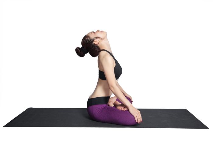 Bài tập yoga 10 phút giúp bạn tỉnh táo vào buổi sáng