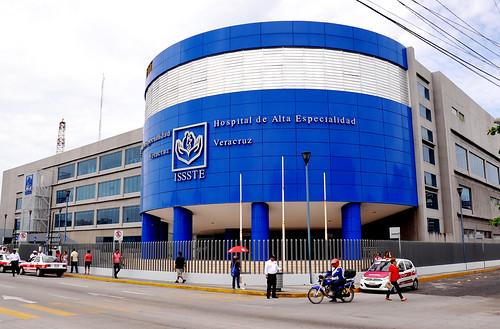 El gobernador Javier Duarte realizó Recorrido por el Hospital de Alta Especialidad de Veracruz, acompañado del Lic. Sebastián Lerdo de Tejada Covarrubias, Director General del ISSSTE.