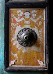 Door Fitting, Asgiriya Temple (IMG_1958b) (Dennis Candy) Tags: beauty painting handicraft temple decoration culture buddhism srilanka ceylon tradition serendipity brass kandy doorfitting serendib serendip viharaya asgiriya narilatha