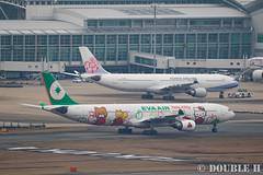 "Fukuoka Airport 2016.1.17 (31) B-16332 / BR's A330-300 painted ""HELLO KITTY"" (APPLE) (double-h) Tags: apple airplane hellokitty a330   fuk  evaairways  fukuokaairport a330300  rjff  specialpainting  b16332 eos7dmarkii ef100400mmf4556lisiiusm accinfukuoka"