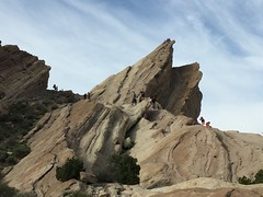 IMG_3543 (lnewman333) Tags: park sky clouds rocks socal southerncalifornia santaclarita vasquezrocks losangelescounty aguadulcecanyon