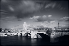 Pont de la Concorde (CreART Photography) Tags: bridge bw paris blancoynegro seine noiretblanc concorde brcke seineriver bridgesofparis