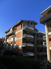 20150531 RT 01 Roma Pilgerherberge Hausfassade Balkon (pilger.berndhubert) Tags: italien rome roma rom papst petersdom petersplatz papstaudienz