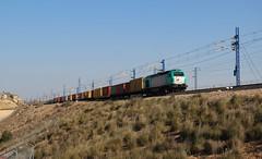 TECO del desierto (Trenesmania) Tags: barcelona tren trenes railway trains contenedores conti teco ferrocarril aragn intermodal 335 cantunis mercancas vossloh rondasur continentalrail euro4000 zaragozaplaza 335015