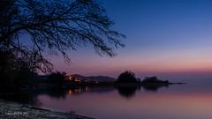 La nuit tombe sur le Lac de Neuchtel (christian.rey) Tags: sunset pose landscape soleil exposure sony coucher lac alpha paysage 77 longer neuchtel longue 1650 estavayerlelac lacdeneuchtel