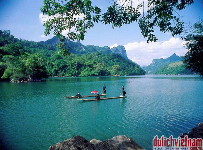 Tour du lịch Cao Bằng chiêm ngưỡng vẻ đẹp thác Bản Giốc chỉ 2,350 triệu đồng