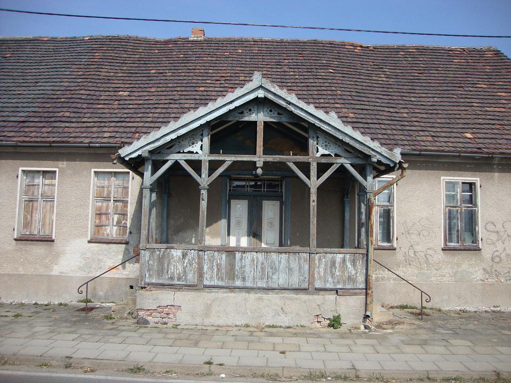 High Quality (flarmorel) Tags: Gebäude Architektur Fenster Alt Alteshaus Dach Hauseingang  Veranda Holzveranda Ruine Verlasseneshaus