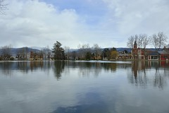(con hache de Helena) Tags: reflection lago reflejo catalunya cerdanya pirineo puigcerd