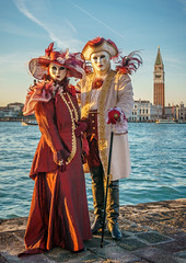 Piuma Veneziana at Sunset (Kayla Stevenson) Tags: venice costume model piazza sangiorgiomaggiore piumaveneziana