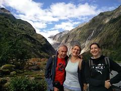 Regine David et Anais devant le Glacier