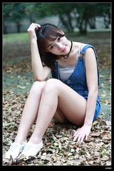 nEO_IMG_DP1U9976 (c0466art) Tags: blue school portrait nature girl beautiful smile face canon eyes university pretty jean sweet outdoor quality gorgeous taiwan lovely charming pure 1dx c0466art vicky