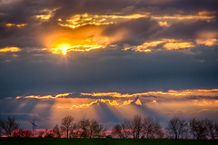I  sun & clouds (diwan) Tags: light sky sun clouds canon germany landscape geotagged deutschland eos google colours sonnenuntergang sundown outdoor himmel wolken landschaft sonne hdr highdynamicrange plugins farben abends 2016 brde saxonyanhalt sachsenanhalt intheevening schwaneberg canoneos650d slzetal hdrefexpro2 nikcollection threesingleshots geo:lon=11473012 geo:lat=52015103
