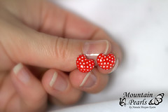 Polymer clay stud earrings, red post earrings with white dots, resin earrings (mountain.pearls) Tags: red mountain heart jewelry polka dot pearls clay dots polymer kutin srce nataša nakit rdeča hozjan srček
