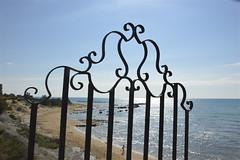 Scendendo sulla spiaggia della Scala dei Turchi (costagar51) Tags: italy italia mare natura sicily sicilia agrigento realmonte