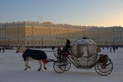 place du Palais (moscouvite) Tags: voyage hiver noel fete extérieur russie saintpétersbourg sonydslra450 heleneantonuk