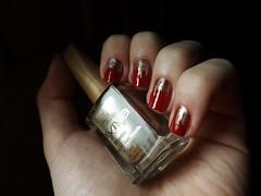 Feliz Natal :p (Raíssa S. (:) Tags: vermelho dourado nails anita nailpolish unhas esmalte cremoso cintilante jequiti