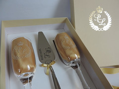 Kit com esptula nas cores bege e dourado (contato@mondy.com.br) Tags: taas bolodecasamento brindedosnoivos kitscomesptula horadobrinde