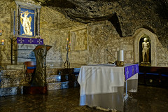 """monte_sant_angelo_altar_grottenkirche • <a style=""""font-size:0.8em;"""" href=""""http://www.flickr.com/photos/137809870@N02/24791875784/"""" target=""""_blank"""">View on Flickr</a>"""