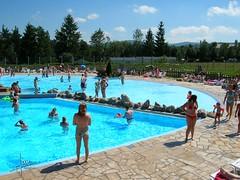 Vosges France - Camping Domaine des Bans, Corcieux (glanerbrug.info) Tags: zwembad piscine swimmingpool schwimmbecken 2005 frankrijk vosges lorraine lotharingen francelorrainevosges camping corcieux vogezen