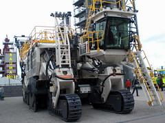 Waiting Bauma 2016... (Falippo) Tags: mine fair mining messe miniera bauma wirtgen surfaceminer