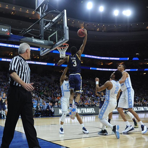 V.J. Beachem got up to throw down earlier tonight in Philadelphia. Beachem posted 11 in the first half, but the Irish trail North Carolina at the break, 43-38. Photo credit: Michael Yu | The Observer