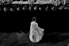 Blanco sobre negro (M. Martn Gmez) Tags: espaa easter spain nikon catholic religion procession ostern spanien semanasanta elche holyweek   prozession comunidadvalenciana