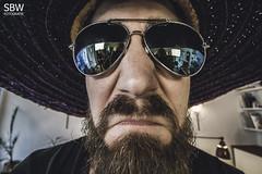 Lars (SBW-Fotografie) Tags: portrait man face sunglasses canon beard insane crazy gesicht bart freaky porträt mexican hut freak mann sombrero sonnenbrille weitwinkel sbw 70d canoneos70d canon70d sbwfoto sbwfotografie
